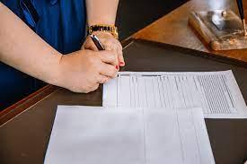 Как рассчитать страховой стаж работника